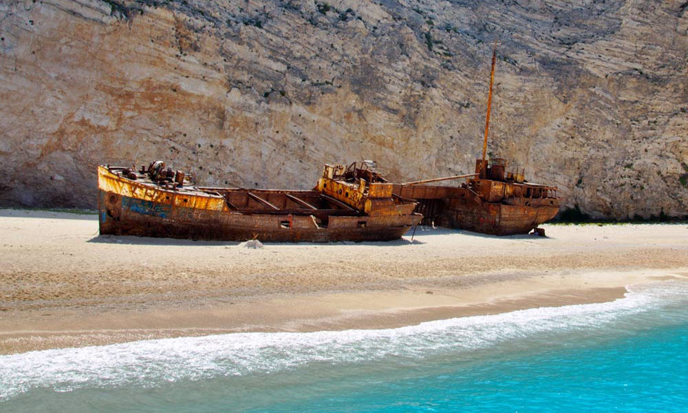 Shipwreck and Blue Caves boat trip